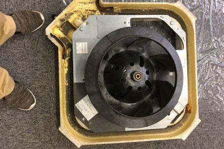 ビフォー|天井埋込式エアコンクリーニング
